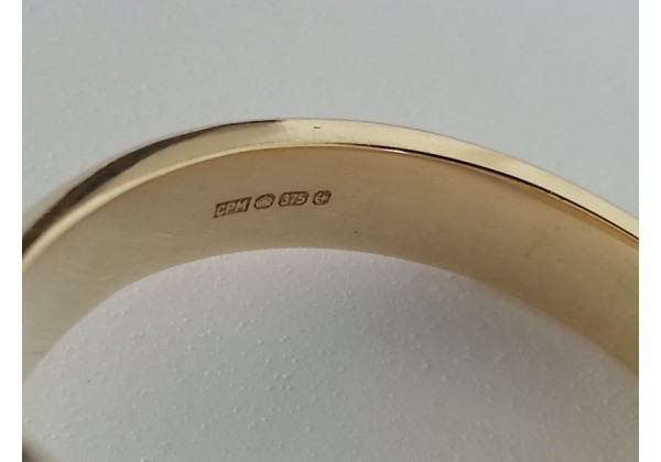 "9ct Gold ""Oxford Ladies Pinky"" Signet Ring 11 x 9 Oval"