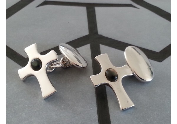 Sterling silver classic oval/cross cufflinks complete with box