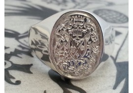 "The ""Koeresies"" Family crest signet ring, The detail was a huge challenge"