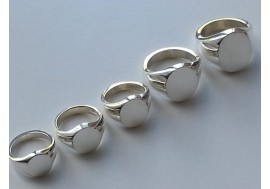 "The ""Big 5"" most popular Classic Oxford oval signet rings"