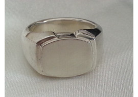 The Classic Oxford Norton extra heavy signet ring in hallmarked sterling silver