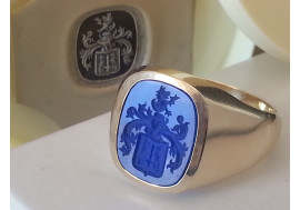 The Cambridge Lapis Lazuli Family crest signet ring available in 9ct or 18ct gold with your family crest or speciality monogram