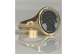 18ct Blood stone or Onyx classic signet ring for ladies and gents
