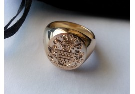 """Van der Merwe"" family crest signet ring in 18ct gold, fully hallmarked in London"